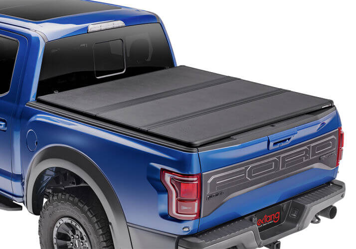 Extang Solid Fold 2.0 Tonneau Cover - Nissan 6' with Factory Bed Rail Caps